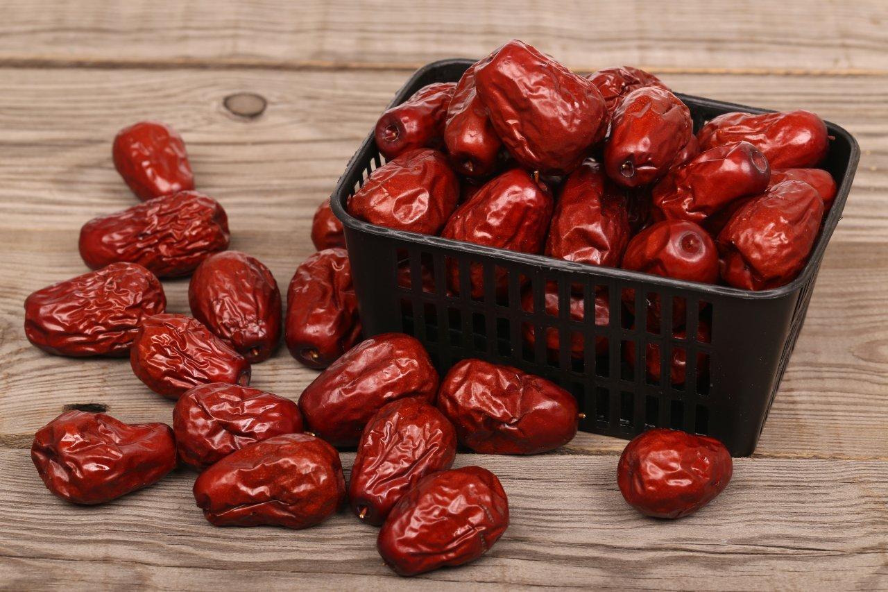 Регулярное потребление фиников позволяет уменьшить концентрацию холестерола в крови на 10-15%