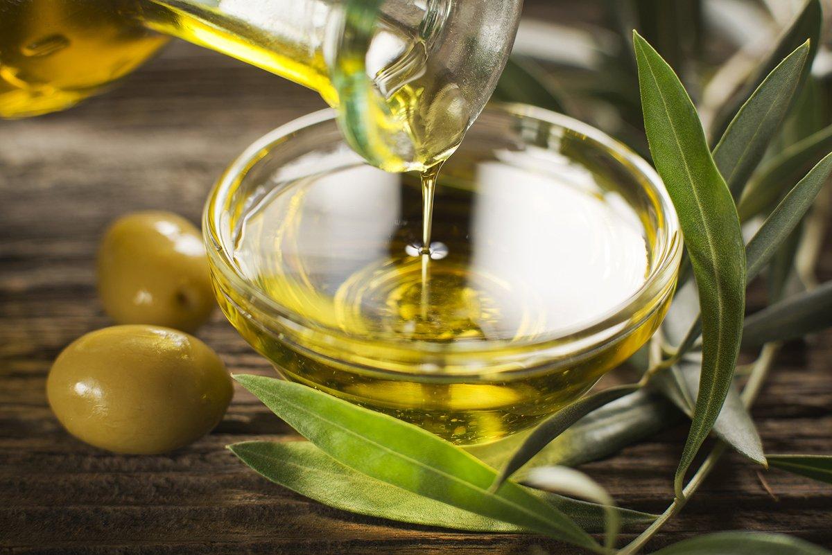 Оливковое масло оказывает на организм как положительное, так и отрицательное влияние